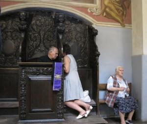Beichte in der Wallfahrtskirche von Swieta Lipka, Masuren, Foto: Ulli Schauen